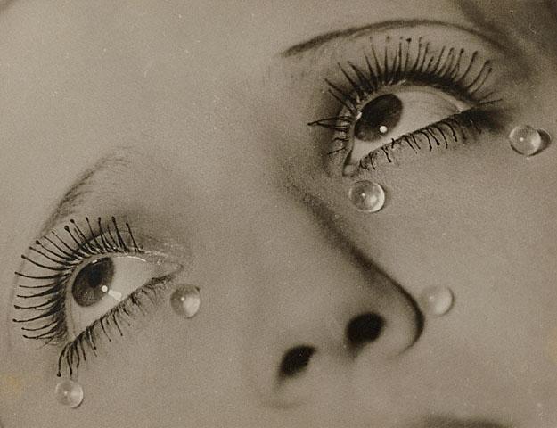 """Man Ray """"Glass Tears"""" (""""Stiklo ašaros"""") 1930-1932 m."""